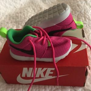 Nike baby girl tennis shoes size 5c